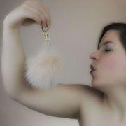 Náhled výrobku: Kožešinová bambule ze skandinávské polární lišky - pudrová