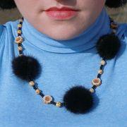Náhled výrobku: Kožešinový náhrdelník, norek - kytičky