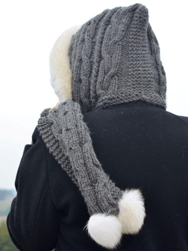Šála s kapucí zdobená kožešinou - polární liška - Martes Furriery 8f91cf2d43