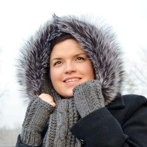 Náhled výrobku: Kožešinový lem na kapuci stříbrná liška do 60cm